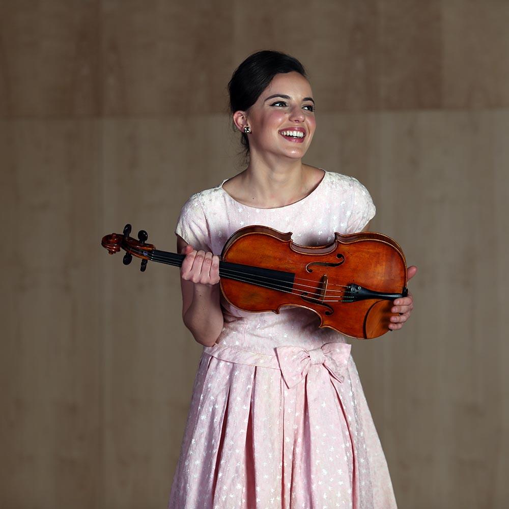 Shira Majoni